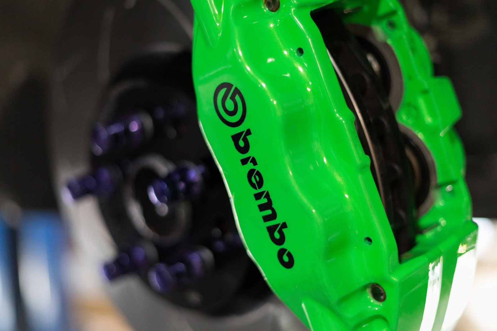 Brembo Big Brake Install - Neon Green Calipers! - Scion FR ...