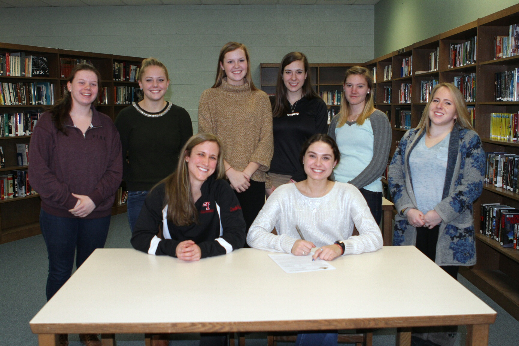 Shelby and teammates at signing (2)