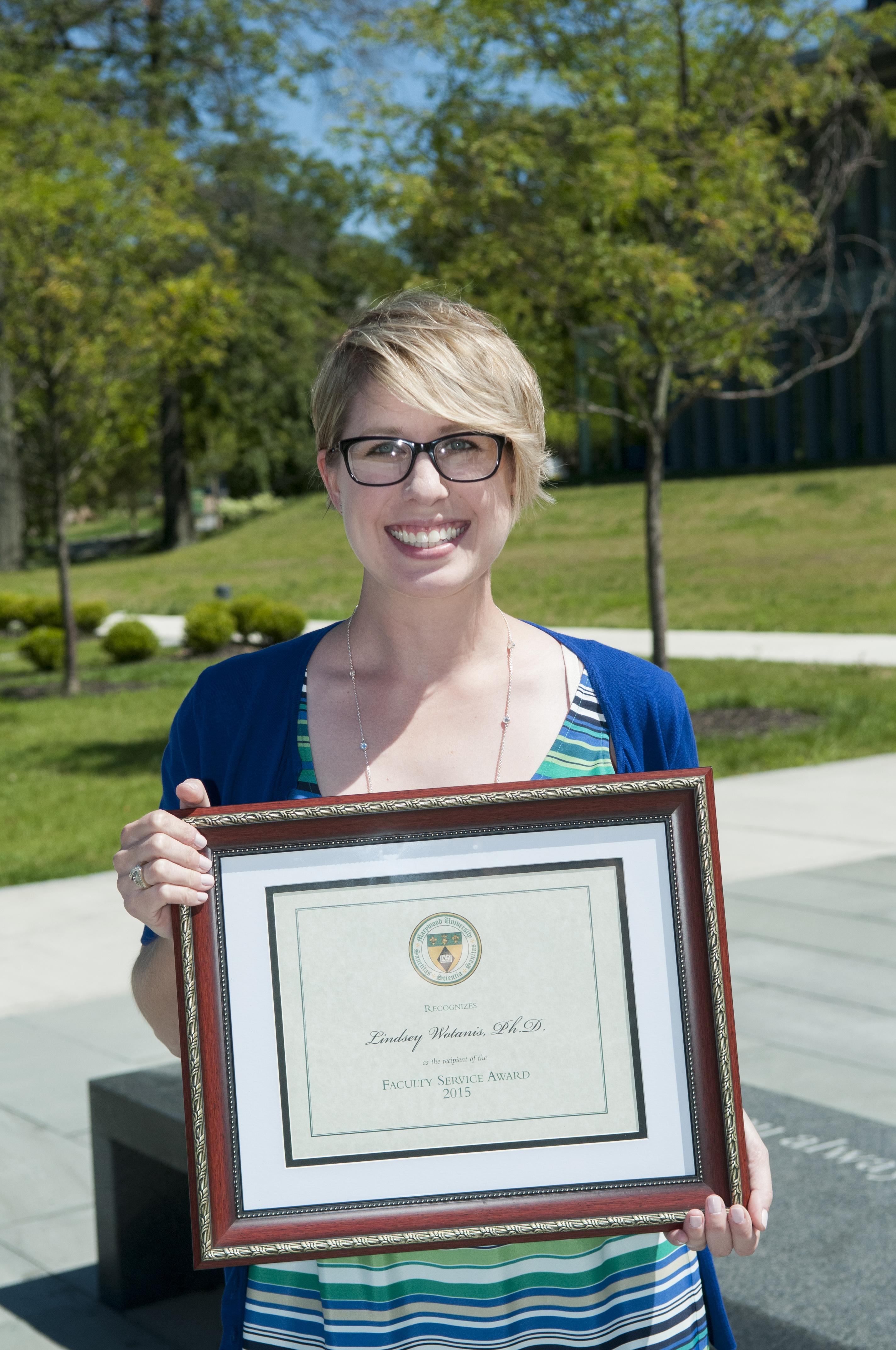 Dr. Lindsey Wotanis(1)