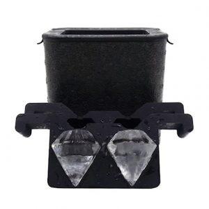 Muotti kristallinkirkkaiden jääpalojen tekemiseen - Timantit
