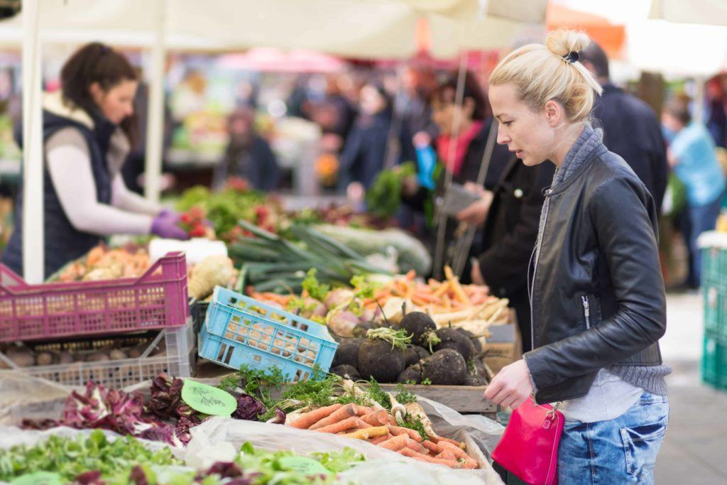 Explore the farmers market 1024x683 - 6 Ways to Embrace Moving to a New City