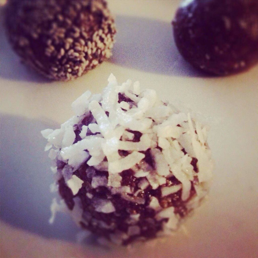 skinny mixers chocolate peppermint bliss balls 1024x1024 - 10 Easy Real Food Snacks – No Baking Required!