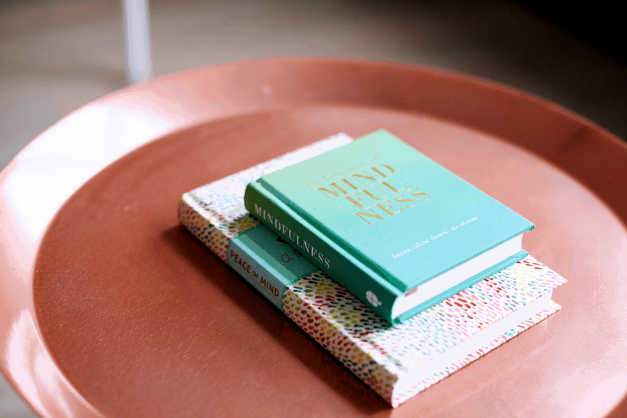 10 Powerful Books On Mindfulness and Kindness That Are Good For Your Health