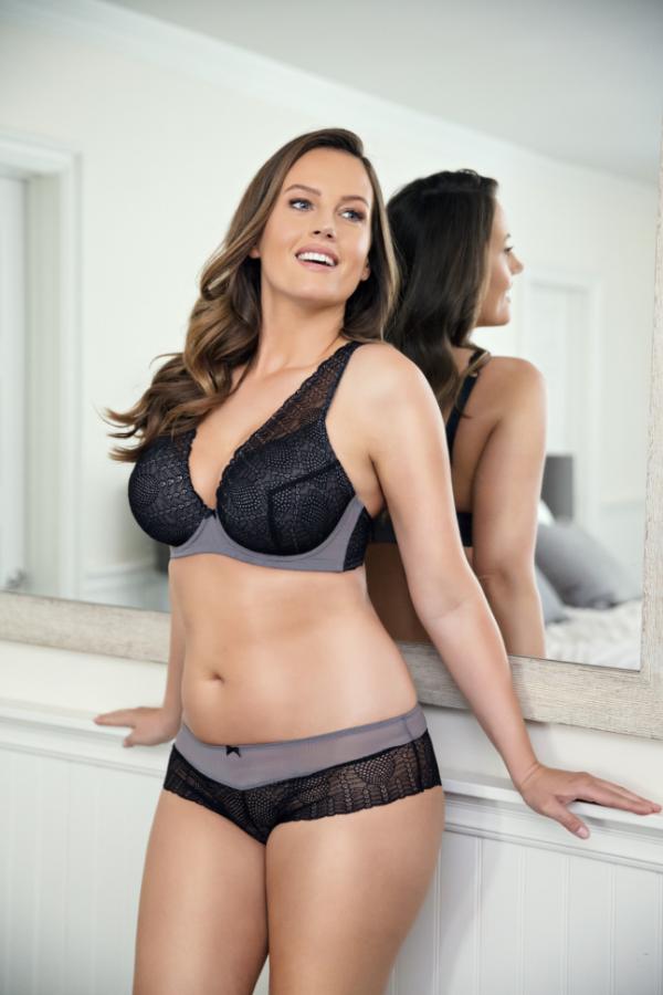 black bra and panty set