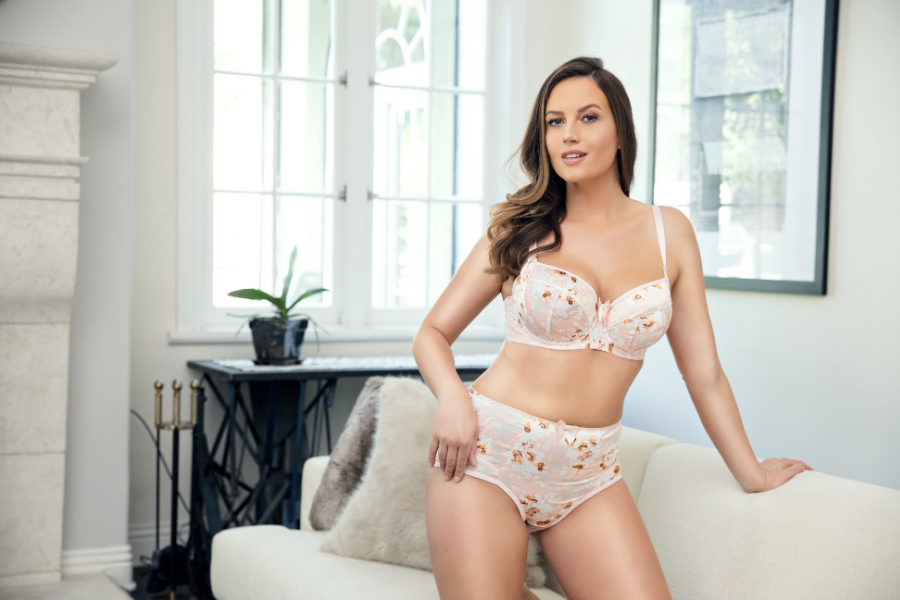 c0dcdc8fca1 4 Ways To Make Your Padded Bra Look More Natural