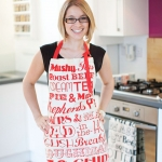 English-Dinner-Apron-Red-AP04-Lifestyle.jpg