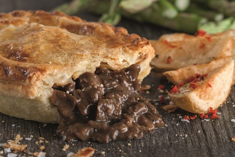 Frys-Pepper-Steak-Pie.jpg