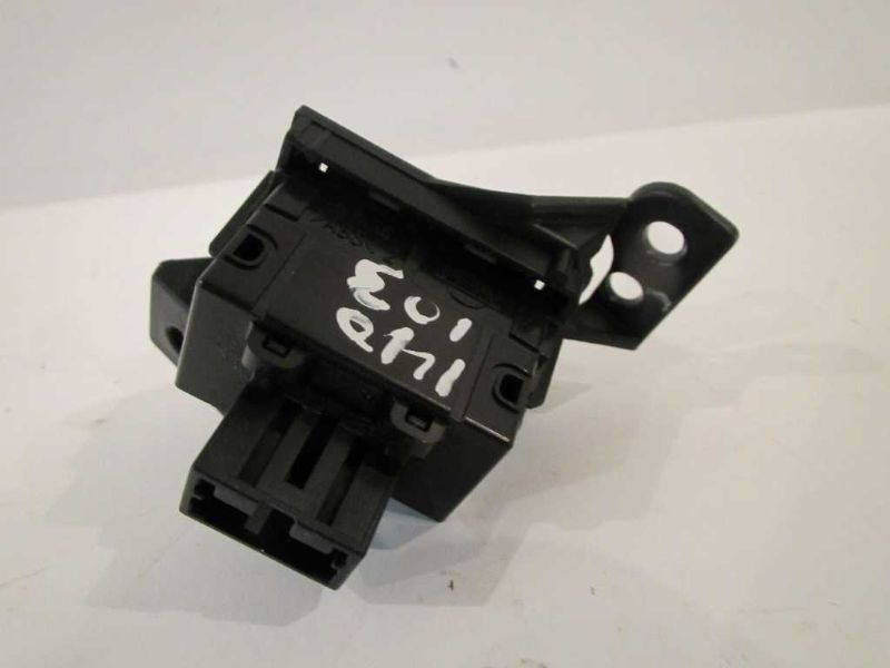 Used interior switch for sale for a 2003 nissan 350z - Nissan altima 2003 interior parts ...