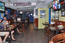 Ventnor Sports Café - Restaurant | Sports Bar in Washington, DC.