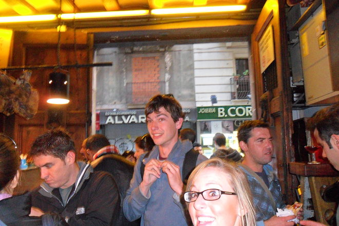Photobombing the Best Bars & Clubs Around the World - 7 of 11