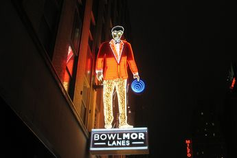 Bowlmor Lanes - Bar | Bowling Alley | Restaurant in New York.