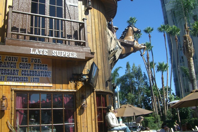 Photo of Saddle Ranch Chop House (West Hollywood, CA)