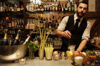 Experimental Cocktail Club - Cocktail Bar | Speakeasy in Paris.