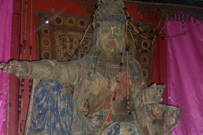 Statue of the Buddha at 4100 Bar in Los Angeles.