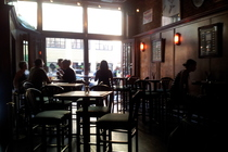 Clark Street Ale House - Bar in Chicago.