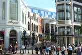 The Five Most Famous Shopping Streets in the World