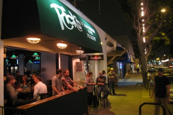 Rick's Tavern on Main - Restaurant | Sports Bar in Los Angeles.
