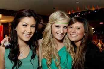 Saint Paddy's PubCrawl Chicago - Food & Drink Event | Holiday Event in Chicago.