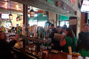 STAR and SHAMROCK - Deli | Irish Pub in Washington, DC.