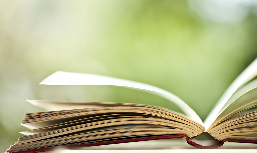 10 Business Books Every Savvy Entrepreneur Should Read [+ GIVEAWAY]