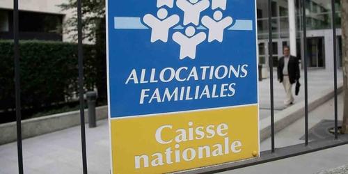 CNAF : 100.000 places en crèche menacées ?
