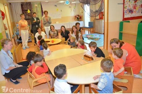 La halte-garderie parentale fête son 10e anniversaire avec enfants, parents et partenaires