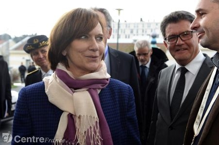 La secrétaire d'Etat à la famille à Bourges pour parler de la petite enfance