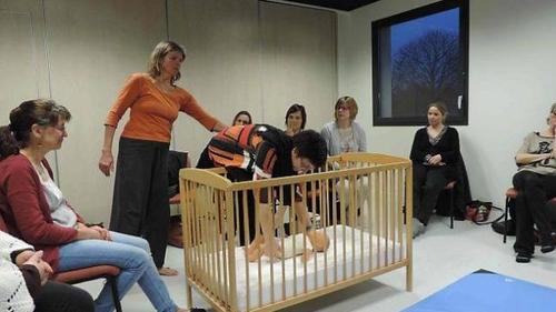 Des cours pour le bien-être des professionnels de la petite enfance