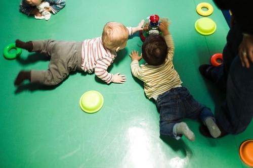Loi Macron : un effet domino sur le secteur de la garde d'enfants ?