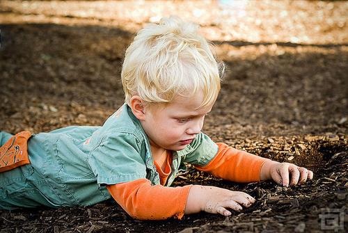 Découvrez pourquoi se salir dans la nature est bon pour la santé des enfants