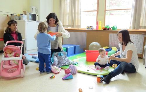 Ollainville : ici, maman papote et bébé joue