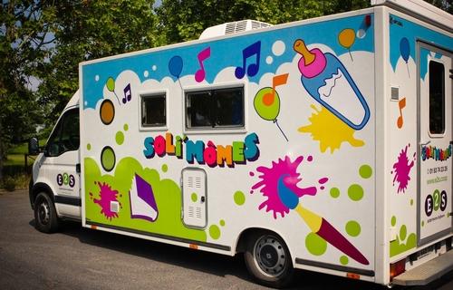 Montreuil : le succès de Soli'Mômes, la crèche mobile et coopérative