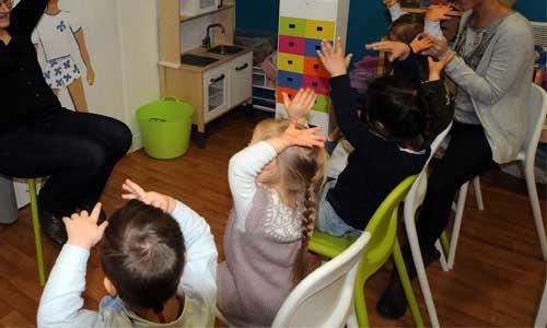 Enfants handicapés en crèches : des pros mieux formés !