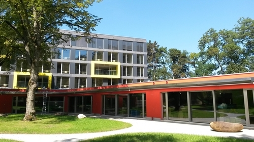 [Suisse] A Carouge, une centaine de bambins vont cohabiter avec autant d'étudiants