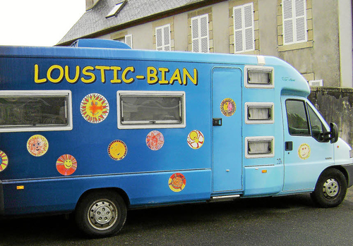 Loustic-Bian. Le samedi dans la commune