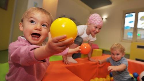 Une aide de 20 à 30 euros pour la garde d'enfant votée par le conseil régional des Hauts-de-France