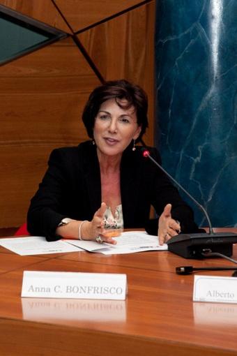 """Senatrice Bonfrisco: """"Fiducia al sistema bancario, oltre Basilea 3"""""""