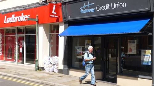 Why are credit unions in the UK not very popular