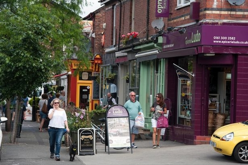 A Manchester street became the UK's first ever 'cashless' shopping area in one day experiment