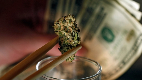 U.S. Banks start to offer pot entrepreneurs bank accounts