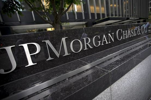 J.P. Morgan, Motif to Give the Little Guy a Taste of the IPO