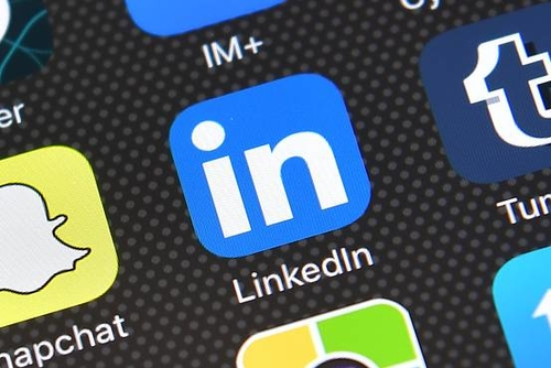 Financial Advisers Leverage Social Media for New Business