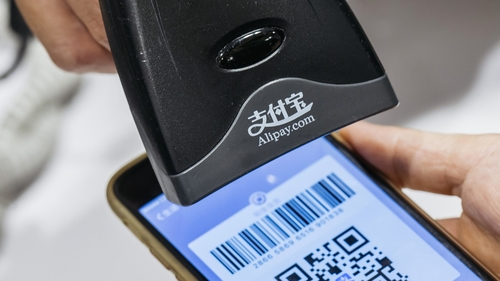 China mobile payments dwarf those in US as fintech booms, research shows