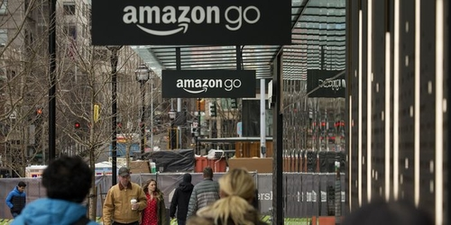 Amazon Delays Opening of Cashierless Store to Work Out Kinks