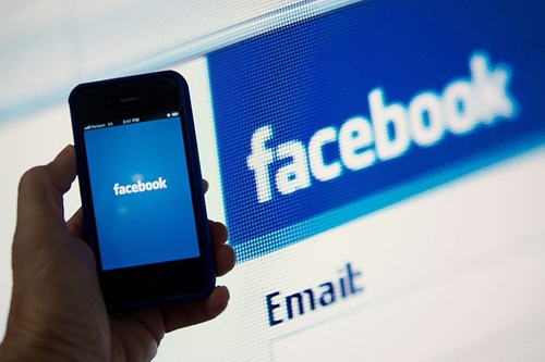 Facebook to let users send cash to friends