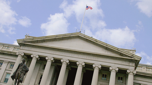 Treasury Department calls for more oversight of online lending industry
