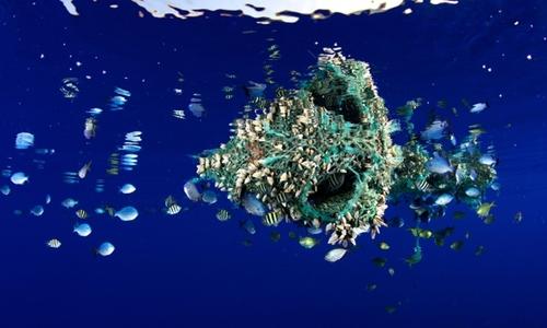 Plastic sea beds