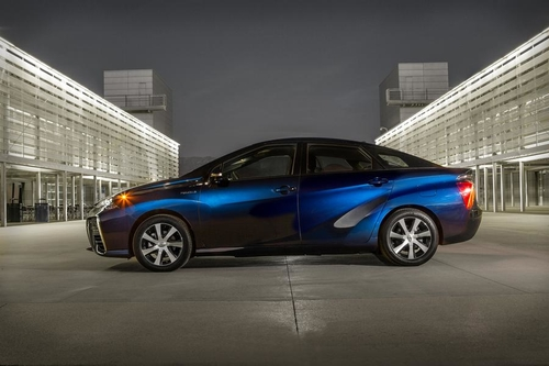 Toyota to open fuel cell car patent portfolio