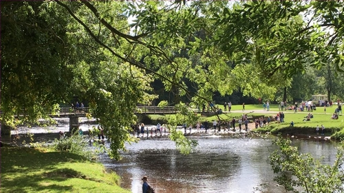 England's green spaces are worth £2.2bn to public health