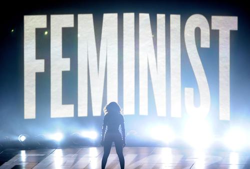 VMAs 2014 : Beyoncé Performance Defines Feminism